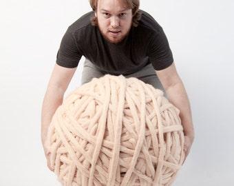 Super bulky yarns 100% Merino Wool. Big knit stitch. Huge skein of super chunky yarn. 19 microns merino wool. Giant yarn by woolWow