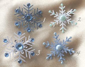 Snowflake hair clips set: snowflake hair bow, hair accessories , winter wedding hair accessories, holiday wedding clips,winter hair clip