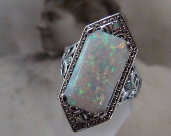 Stunning Sterling Silver Opal  Ring  Size 9. Art Deco