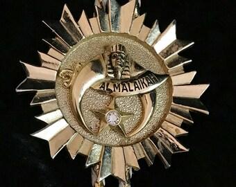 Large vintage Shriner's bolo tie//bright raw brass bolo tie//gold & white leather cord bolo tie//bolo tie for men