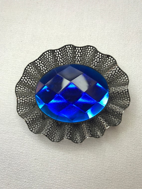 Awesome 80s Gorgeous Big Bold Colbalt Blue Plastic Resin Cabochon Gem Set in Black Tone Mesh Glamour Brooch Pin