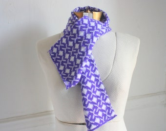 Vintage Hand Knit Purple and White Geometric Pattern Scarf / 90s Print Scarf / Winter Accessories