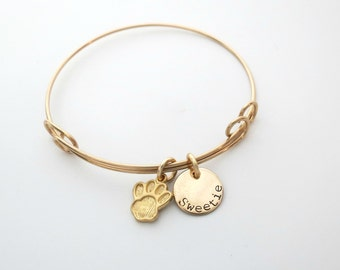 Personalized Paw Bracelet - Mom to Dogs - Mom to Cats - Personalized Gold Jewelry - Custom Pet Charm Bangle - Dog Trainer - Rescue - Name