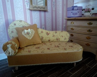 Chaise longue in 1:12 scale