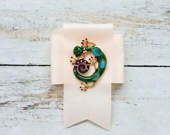 Handmade, stylish, fashion, lace brooch ordin, salamandra, accessory for woman, cream colour lace, shirt's accessory, ready to ship, gift