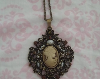 Vintage cameo Victorian replica necklace