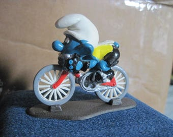 Vintage Bike Riding Smurf...RARE Display Only..Vintage Toys,Vintage Collectible,Gift 4 Bicyclist,Gift 4 Bike Racer,Gift 4 Bike Fixer