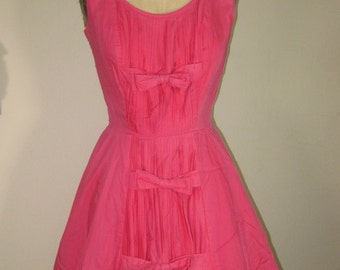 SALE   50s Cotton Day Dress Peachy With Bows