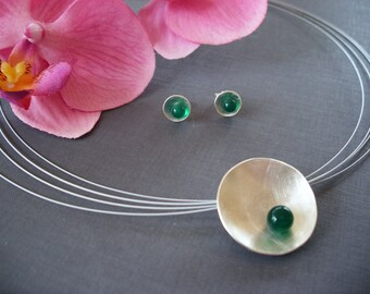 Silver bowl with green agate & Silver earrings 925/00
