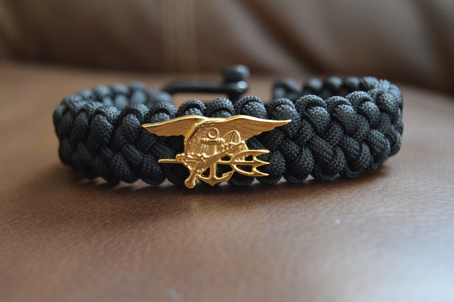 anchor pin bracelet nautical blue macrame navy