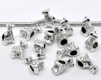 4 beads in silvery metal giraffe