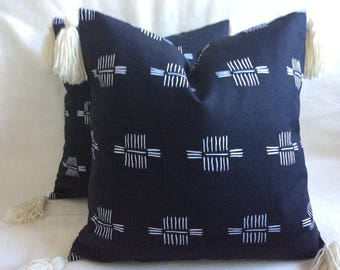 "Primitive Designer Pillow Cover Set - Nate Berkus ""San Cristo Paramount"" Fabric - Black/ White - Tassle Trim - 2pc Set - 18x18 Covers"