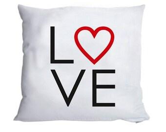 Fluffy pillow case 'LOVE' 40x40cm