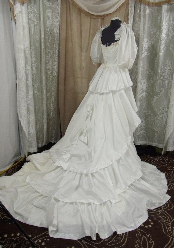 Vintage Ruffled White Satin Wedding Gown Size 6 8