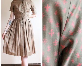 1950s Dress // Cover Girl Fleur De Lis Dress // vintage 50s dress