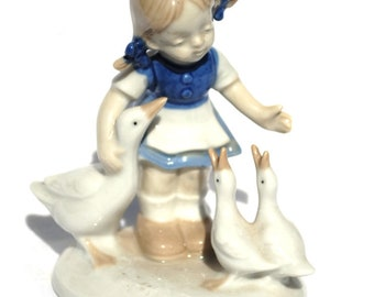 Girl geese blue white maiden porcelain Graefenthal