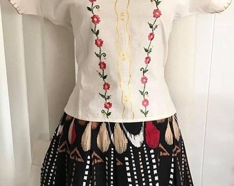 20percentoff Sale Vintage White Linen Embroidered Mexican Blouse -- Size M -- Boho