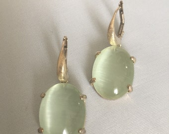 Silver hook and green chalcedony