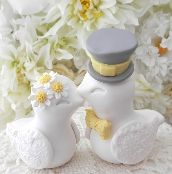 Love Birds Wedding Cake Topper, Daisy Flowers, White, Yellow and Gray, Bride and Groom Keepsake, Fully Customizable