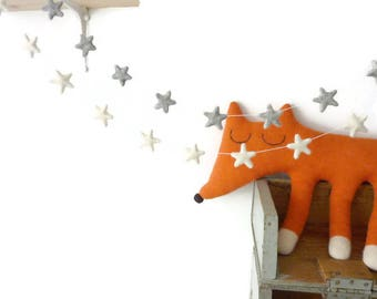 Star garland, Nursery garland, Nursery decorations, Felt star garland, felt garland, neutral nursery, nursery decor, neutral baby gift, baby