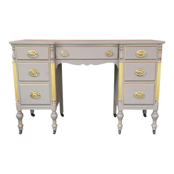 Vintage shabby chic desk with 7 drawers.