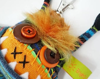 keychain / purse / backpack dangle sqwaggle monster