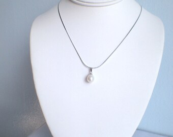 FreshWater Pearl Pendant Necklace- 9-10 mm Whte Pearl , Bridal Jewelry, fresh water pearl Necklace, JEW002024