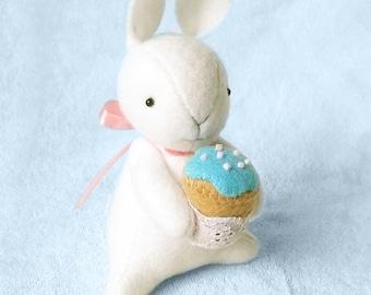 White Felt Bunny Doll with Miniature Cupcake, Easter Bunny Rabbit Felt Doll, Felt Animal Soft Sculpture, Blythe Dolls Friend