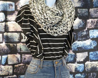 Chunky knit Silver Infinity scarf