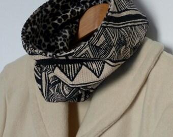 Snood reversible geometric designs / faux fur
