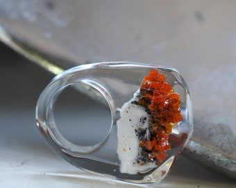 Clear Resin Ring with Unique Stone, Resin Ring, Resin Jewelry, Botanical Jewelry