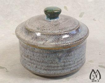 Shaving soap bowl with lid, ceramic bowl, lathering soap bowl