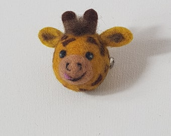 Needle Felted Pin Badge / Brooch : Giraffe