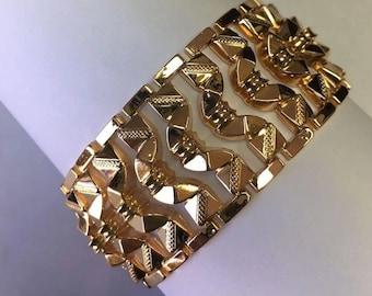 18k Yellow Gold Custom link Diamond Cut Bracelet