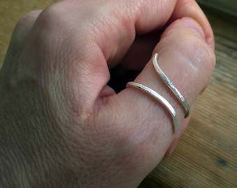 Silver thumb ring // Silver Spiral ring // Silver jewelry // Silver ring