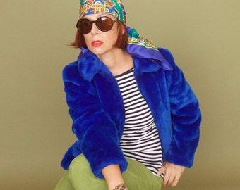 Faux fur coat, Royal blue fur jacket,Vintage 80s coat, Chubby boho coat, Oversize coat, Women fur coat, Fashion short coat, Eco fur coat