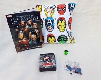 Marvel heroes, illuminati, avengers, geebox, geek box, gift set, gift for geeks, gift for men, cushion, pillow, game, book, trivia, lego