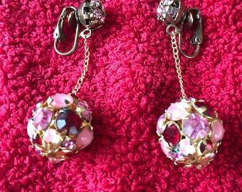 Beautiful vintage 50's pink and maroon rhinestone drop clip on earrings