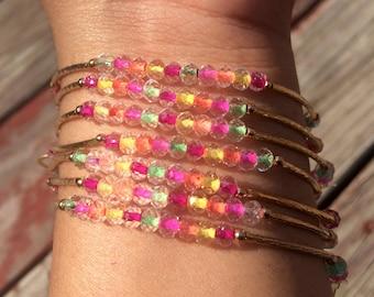SALE: Confetti Combination Bracelet Set with gold plated charms - Semanario pulseras multicolor combinado confetti con dijes de chapa de oro