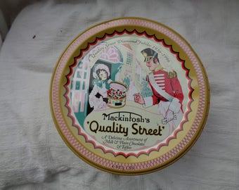 Vintage/retro 'Quality Street' tin. Perfect button tin.