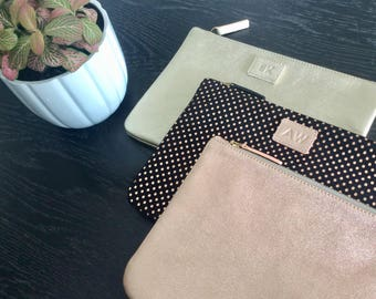 Leather zipper pouch.Leather pouch.Personalised cosmetic bag.Monogram makeup bag.Personalised leather pouch.Personalised toiletry bag.Rose.