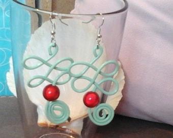 Yarn (red beads 10mm) 2mm pastel aluminiumvert Plantalia earrings