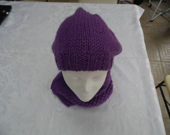 Soft purple color and her neck around Hat
