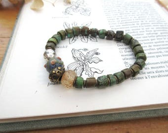 "A rustic boho chic bracelet with turquoise heishi beads ....: ""Essences Of Things"" !!!!"