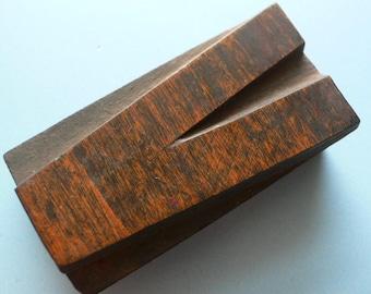 "Letterpress Wood Type V - 3"" Tall 7.5 cm/ Antique Letterpress Wood Printer's Block HAND CARVED"