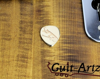 Guitar pick 14 k (musician worker)