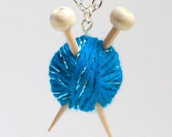 Sparkly Blue Wool Knitting Necklace - Yarn and needles