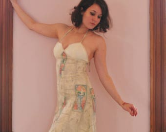 Beautiful 70's Maxi Dress With Lady Print