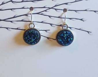 Navy Drutzy Cabochon Earrings