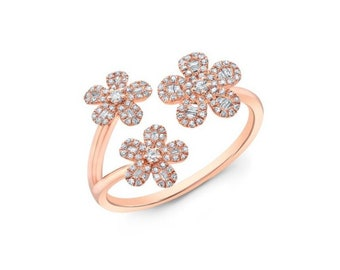 14KT White Gold 3 Flowers Diamond Ring